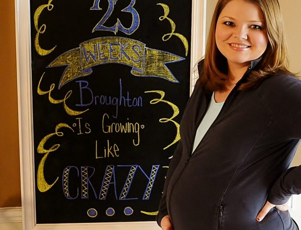 pregnancy chalkboard, pregnant woman, family, life update