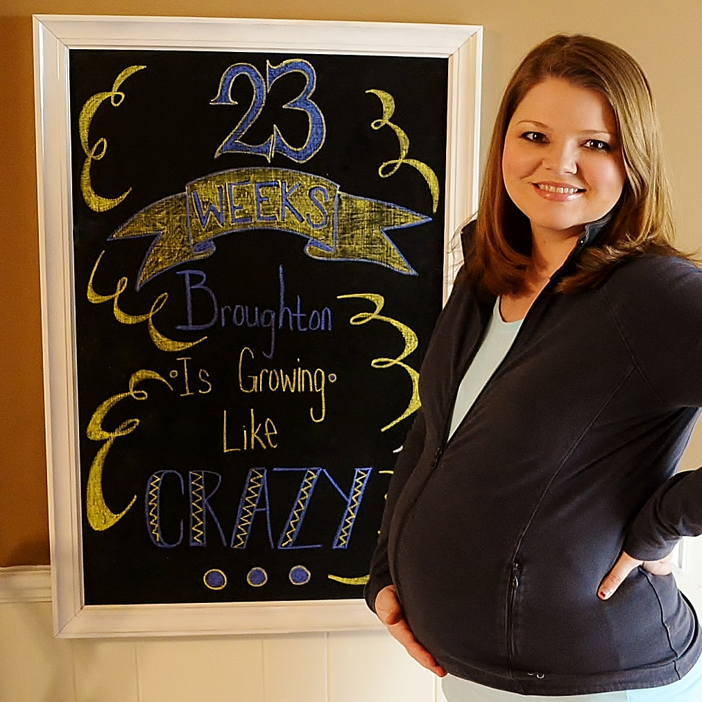 Pregnancy Chalkboard: 23 Weeks and Growing